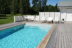 Pooltrenderna som syns i Sverige Square Pool, Pool Houses, Backyard, Terrace Garden, Outdoor Decor, Gardens, Inspiration, Design, Home Decor