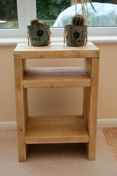 Rustic scaffolding wood bedside table by TheCraftyDutch on Etsy Rustic Nightstand, Wooden Bedside Table, Rustic Furniture, Bedside Table Ideas Diy, Small Bedside Tables, Repurposed Furniture, Modern Furniture, Diy Furniture Projects, Woodworking Furniture