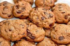 LE BONHEUR EST SANS GLUTEN         : Biscuits sans gluten aux brisures de chocolat et p...