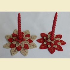 Christmas Fabric Crafts, Easy Christmas Crafts, Felt Christmas, Christmas Projects, Christmas Time, Christmas Ornaments, Handmade Decorations, Xmas Decorations, Christmas Candle Holders
