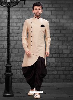 Be your diverse vogue diva with this Lite Gold Color Imported Silk Designer Indo Western Mens Wear. Mens Indian Wear, Mens Ethnic Wear, Indian Groom Wear, Indian Men Fashion, Mens Fashion Suits, Men's Fashion, Wedding Kurta For Men, Wedding Dresses Men Indian, Wedding Dress Men