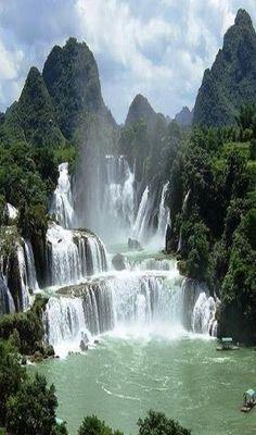 Wodospady Ban Gioc, Wietnam przez Alyson