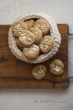 Un po' rustici come piacciono a me, gli Zuccherini sono dei biscotti semplicissimi da fare che si preparano nel robot da cucina. Più facili di così non si può! Buona domenica IG, scappo al lavoro :) . . #latartemaison #biscottidelatarte #zuccherini