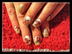 Christmas pointsetta nails