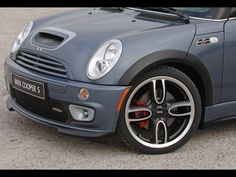 Vehicle search by year, make, model, car type and category. 2006 Mini Cooper, Cool Car Pictures, John Cooper Works, Cool Cars, Vehicles, Kit, Image, Car, Vehicle