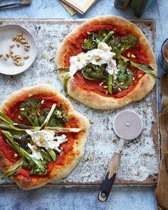 Pizzas with romesco sauce and greens recipe Vegetarian Pizza Recipe, Pizza Recipes, Healthy Recipes, Vegetarian Italian, Healthy Food, Burrata Recipe, Tenderstem Broccoli, Perfect Pizza, Greens Recipe
