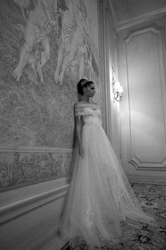 http://enmodagelinlik.com/en-guzel-gelinlik-modelleri-5/ En Güzel #Gelinlik #Modellerini Sizler İçin Tek Bir Çatı Altında Topladık #gelin #gelinlik #gelinlikmodelleri #beyaz #dantel #2014gelinlikmodelleri #moda #trend #favori #wedding #weddingdress #weddingdress2014 #bridal#moda #kadın  #düğün #evlilik