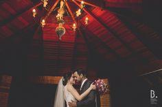 Larissa e Vinicios, casamento lindo! #brunofurtado #brunofurtadofotografias #weddingbrasil #wedding #lovemyjob #job #noiva #noivo #evivaosnoivos #voltaredonda #riodejaneiro #rj #bruno #canon #markII #markIII #interiordorj #fotografia #fotografiacomamor #pessoasfelizes #love #bride #vestidodenoiva #vestido #felicidade #fotografodecasamento #weddingday #lifestyle