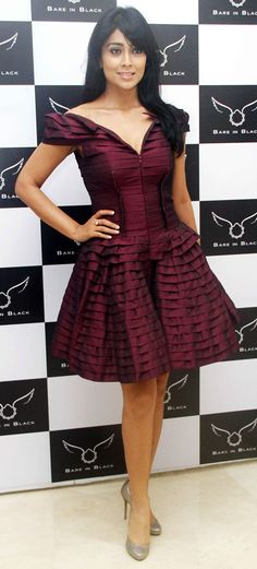 Shriya Saran looked pretty in a purple Rajat K Tangri off shoulder dress at the Bare In Black collection preview. #Bollywood #Fashion #Style #Beauty