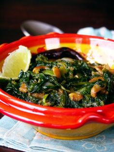 Spinach with Fried Garlic and Caramelized Onions - Vegan