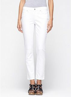 Slim Ankle Jean in Garment-Dyed Organic Cotton Stretch Twill - throw any white jean bad thoughts out the window. they are HUGELY flexible for any outfit and look fabulous on!