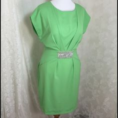 Beautiful tunic green dress, W/pockets Green dress with pockets, great length. 100% polyester. Silver metal details in front. Zipper on left side for perfect fit high quality. Lightweight fabric. Percent for this summer ☀️ Katia Dresses