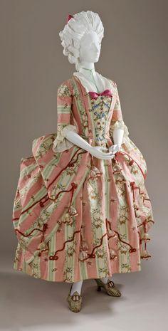 HISTORICAL PINK & PURPLE PRINTED DRESSES