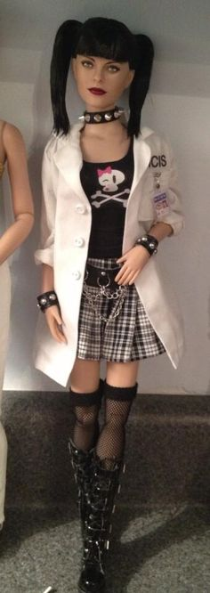 @Shannon Craven Shannon Craven  #NCIS #abbysciuto not totally done, but almost! #dollchat
