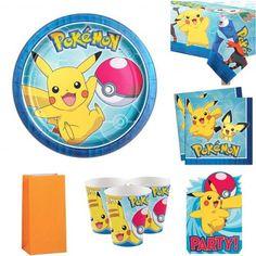 Pakken inneholder: 16 asjetter, 16 kopper,16 servietter, 16 invitasjoner, 16 godteposer og en duk! Her får du alt du trenger for å lage en helt unik pokemon Bursdag! Pokemon Party, Cupcake Toppers, Tweety, Pikachu, Mini, Fictional Characters, Fantasy Characters