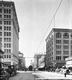 Broadway, north from 7th Street, Los Angeles, 1907