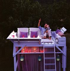 Turn an old bunk bed into a star gazing treehouse -i would die.