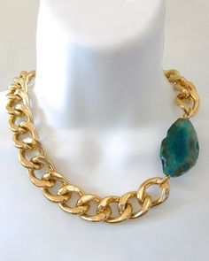 Chunky Gold Chain Link Necklace with Turquoise Blue Agate. Chunky Gold Necklaces, Gold Chain Link Necklace, Chunky Jewelry, Agate Necklace, Diy Necklace, Necklace Designs, Beaded Jewelry, Jewelry Necklaces, Necklace Ideas