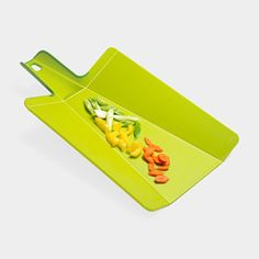 Folding Cutting Board, great website with nifty kitchen/home/dress