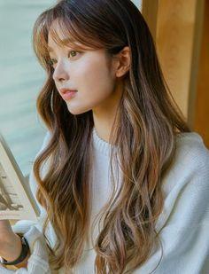Korean Bangs Hairstyle, Korean Hairstyles Women, Hairstyles With Bangs, Girl Hairstyles, Japanese Hairstyles, Asian Hairstyles, Girl With Brown Hair, Long Brown Hair, Light Brown Hair