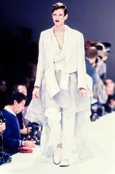 Comme des Garçons Spring 1995 Ready-to-Wear Fashion Show - Kristen McMenamy