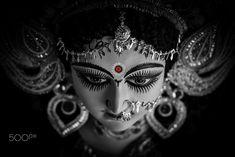 Navratri Puja will help you overcome all your negativities. Flourish with wealth on this Navratri by offering Homam to Lakshmi, Saraswathi & Durga. Durga Picture, Maa Durga Photo, Maa Durga Image, Maa Kali Images, Durga Images, Navratri Puja, Happy Navratri, Durga Painting, Durga Maa Paintings