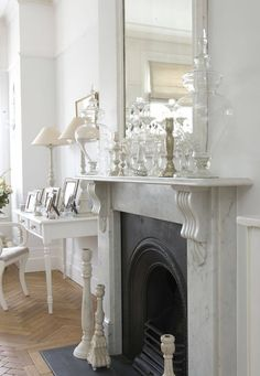 the most heavenly white house. with it's pale chalky color palette, impeccable styling and exquisite detailing, this lovely london home has to be as close to perfection as it could possibly get!