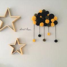 •PoomCloud Color • • • • L'un des PoomCloud Color de Stephanie qui va gâter ses minis a Noël ♡ • • Merci pour votre gentillesse, patience et confiance Stephanie  • • • • • • #pompon #laine #wool #creation #nuage #nuagepompon #poomcloud #madeinfrance #faitmain #douceur #sweet #cadeau #naissance #decoration #deco #homedecor #instadeco #homesweethome #decochambre #chambrebebe #chambreenfant #kidsroom #babyroom #babygirl #babyboy #sweetpoom