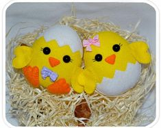 Easter chickens Set of 2 in gift box Cute felt Easter ornaments Easter eggs Easter chick garland Easter decor Easter chicken Easter gifts Osterschmuck - Christmas Tree Ribbon Garland, Easter Garland, Christmas Tree Toy, Felt Christmas Ornaments, Diy Ornaments, Easter Tree, Easter Gift, Easter Eggs, Easter Projects