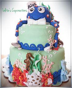 fun coral reef cake and matching cupcakes