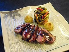 Magret de Canard - my favorite dish in France Food Porn, Foie Gras, Steak, Good Food, Pork, Pasta, Dishes, Cooking, Grand Chef