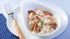 Schweinegeschnetzeltes mit Estragonsoße | Ein feines Pfannengericht: Rezept für Schweinegeschnetzeltes mit Estragonsoße - cremig und köstlich.