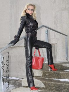 Crazy Outfits, Fall Outfits, Latex Lady, Leder Outfits, Stiletto Boots, Leather Leggings, Leather Trousers, Leather Gloves, Leather Jacket
