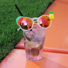 The best part about drinking outdoors is that you can't get thrown out. Matching sunnies @NastyGal