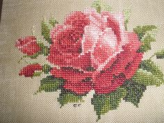 Beautiful Red Rose  counted cross stitch Cross Stitch Tutorial, Cute Cross Stitch, Cross Stitch Rose, Cross Stitch Flowers, Cross Stitch Patterns, Cruces Tattoo, Beautiful Red Roses, Rose Cottage, Needlework