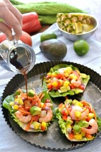 These tropical shrimp lettuce wraps are packed with protein and fresh vegetables and fruits, and can be ready in about 10 minutes. Healthy Foods To Eat, Healthy Snacks, Healthy Eating, Healthy Recipes, Shrimp Lettuce Wraps, Lettuce Wrap Recipes, Shrimp Tacos, Shrimp Dishes, Shrimp Recipes