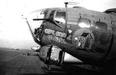 Ww2 Aircraft, Military Aircraft, Falklands War, Aircraft Painting, Ww2 Planes, History Photos, Nose Art, War Machine, Memphis Belle