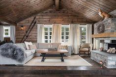 """""""SKIFER PÅ HYTTA"""" (2:25) Peis av murstein og plater i Minera lys Oppdalskifer på hytta """"Dåfjedl"""" fra Sinneshyttå. """"Quartzite at the cottage"""" (2:25) Fireplace made of Minera light Oppdal quartzite bricks and custom made slabs. #hytte #skifer #hytteliv #oppdalskifer #Sinneshyttå #photooftheday #architecture #schist #mineraskifer #minera #skifer #skiffer #stone #stonedesign #stein #natural #skiferinspirasjon #stoneinspiration #scandinavianstone #scandinavianquality #stonefromnorway #norwegi..."""