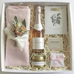 Bridesmaid Gift Box or Bridesmaid Proposal. Blush and Gold Wedding Colors. Stunning Bridesmaid Proposal Box which your girls will love. SAVE to your bridal inspiration board>> Bridesmaid Gift Boxes, Wedding Gift Boxes, Wedding Gifts For Bridesmaids, Unique Wedding Gifts, Bridesmaids And Groomsmen, Be My Bridesmaid, Gifts For Wedding Party, Party Gifts, Wedding Favors