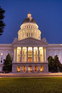 California State Capitol - Sacramento, CA stationed at Mather AFB, Rancho Cordoba was home while in Nav school there. California State Capitol, Sacramento California, California Dreamin', Neoclassical Architecture, West Coast Road Trip, Capitol Building, Local Attractions, U.s. States, Capital City