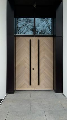 Herringbonestyle frontdoors Oak with 8 % whitewash www.houtz.nl