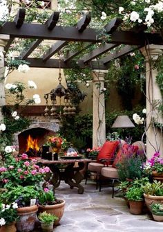 By installing a pergola, you can get both stylish and useful decoration for your backyard. To give a closer look at how to build a beautiful pergola for your outdoor space, we've prepared tons of backyard pergola ideas below! Patio Pergola, Pergola Plans, Backyard Patio, Backyard Landscaping, Landscaping Ideas, Modern Backyard, Corner Pergola, Large Backyard, Diy Patio