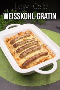 Das Weißkohl-Gratin mit Nürnberger Würstchen ist lecker, low-carb und einfach zu kochen.