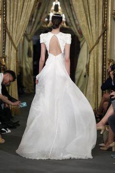 50 vestidos de novia con escote a la espalda 2017: ¡los querrás todos! Image: 15