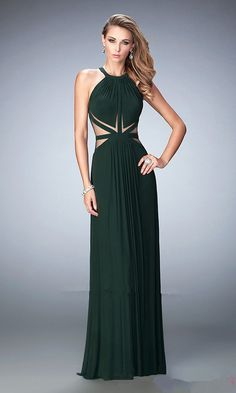 Select from a range of gorgeous prom dresses and gowns at Promlover.Show off your personal style that