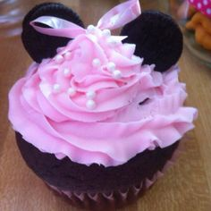Minnie mouse cup cake