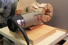 Photo 3. Cut ¼ kerfs in the chuck, making the fingers using the router on a sliding base.