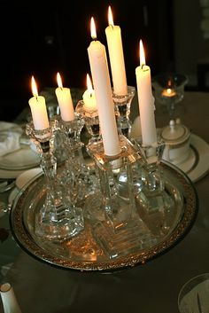 love the candles grouped on the tray!