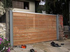 Portão ferro com madeira