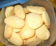 I savoiardi siciliani sono dei biscotti soffici e deliziosi, ottimi per grandi e piccini!!!!